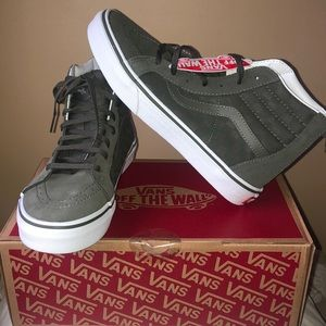 NWT-Vans sk8-hi Zip. Forest green Chex and suede